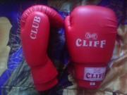 Продам боксёрские перчатки и щитки для рукопашного боя
