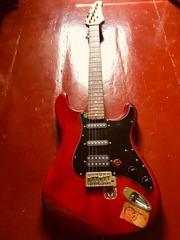 Продам гитару PhilPro с комбикои на 10 ватт по срочной цене!